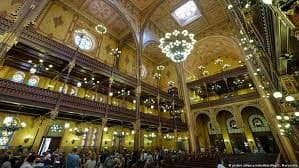 The Jewish Festival taking place in Europe's largest synagogue in Budapest. Via DW